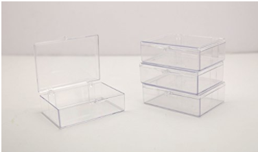 """CLEAR HINGED PLASTIC TRADING CARD STORAGE BOX 3 1/2"""" L X 2 9/16"""" W X 1"""" H - 10 PIECES PER PACK"""