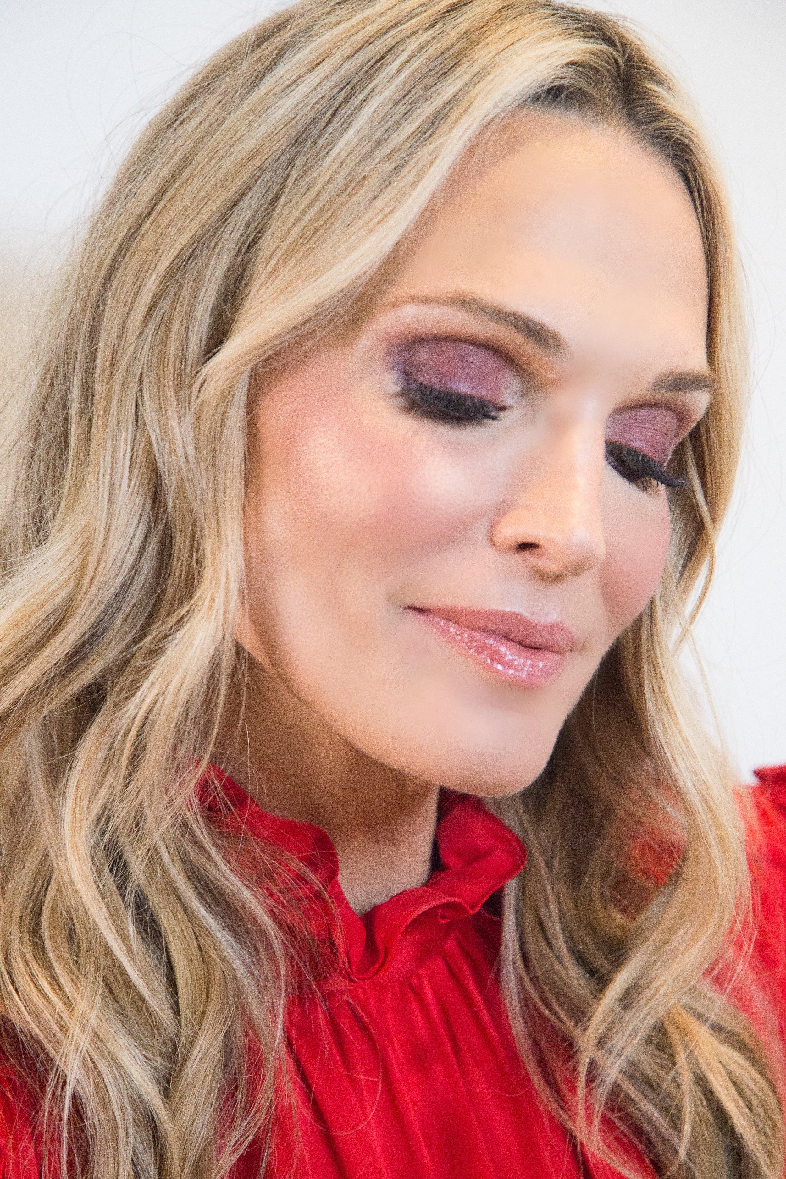 Video: Valentine's Day Makeup Tutorial Photography: Erica Hampton