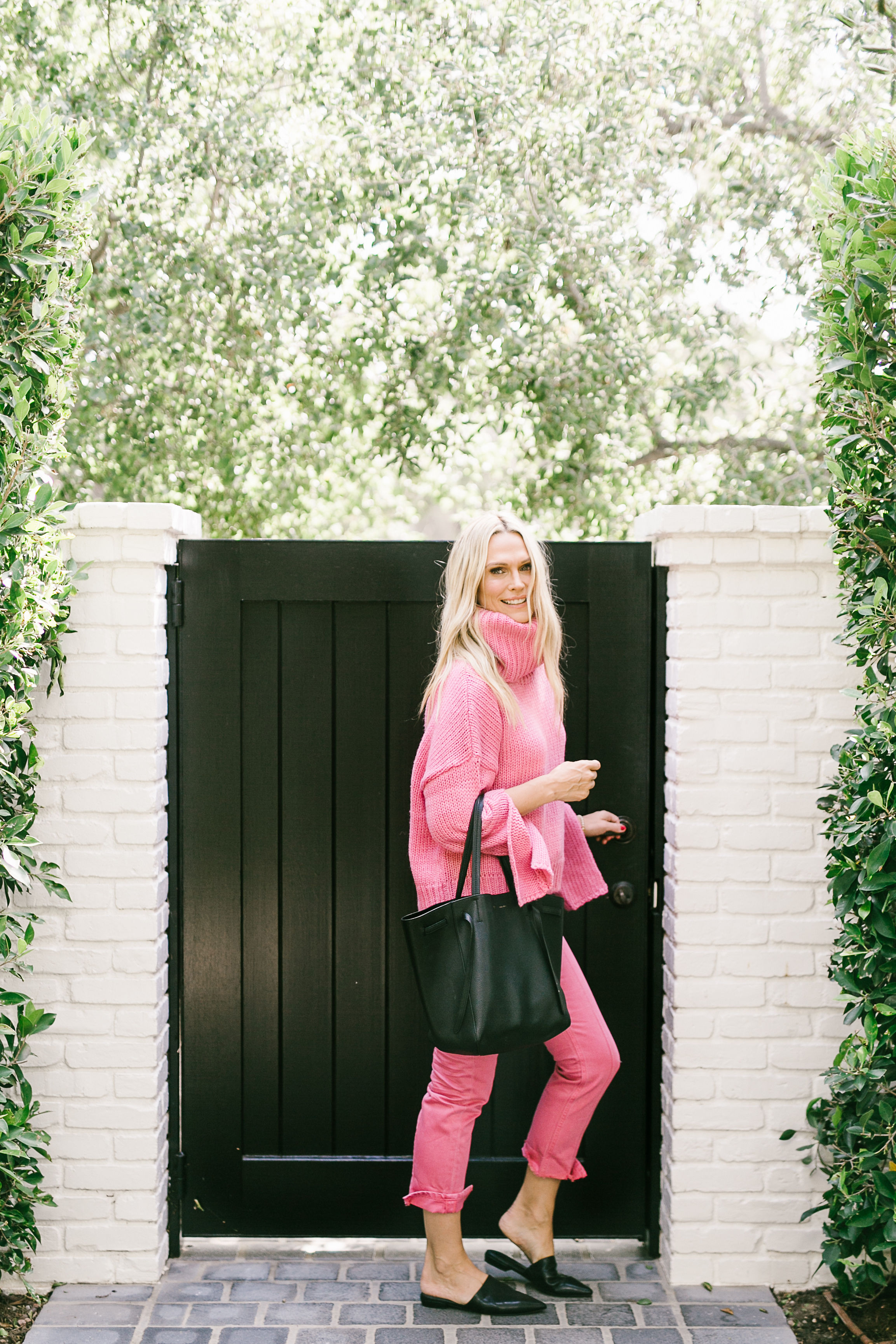 Chunky Pink Knits To Embrace The Cooler Weather (Photography: Becki Smith)