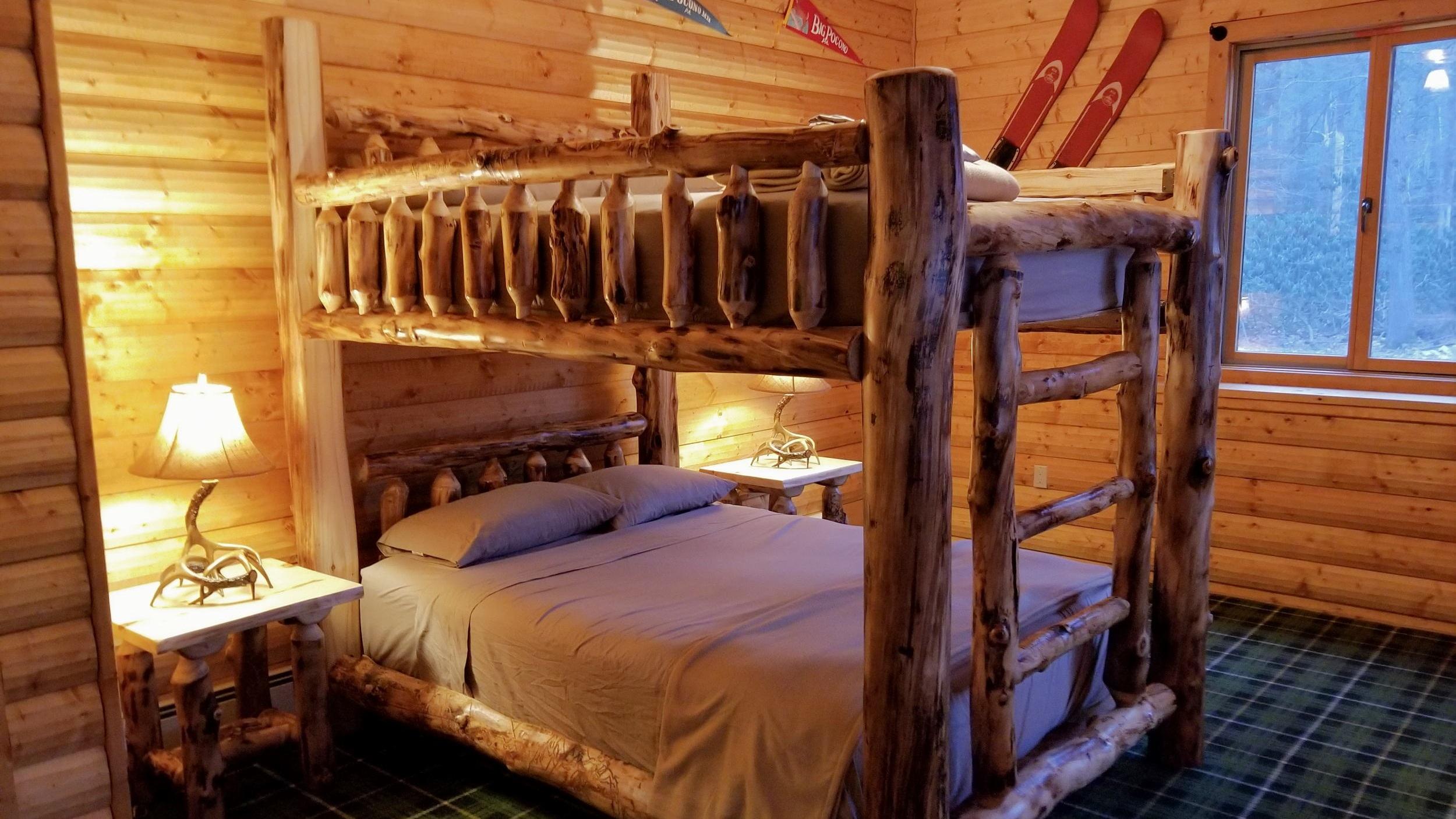 Big Pocono Lodge  Bunk Beds (8).jpg