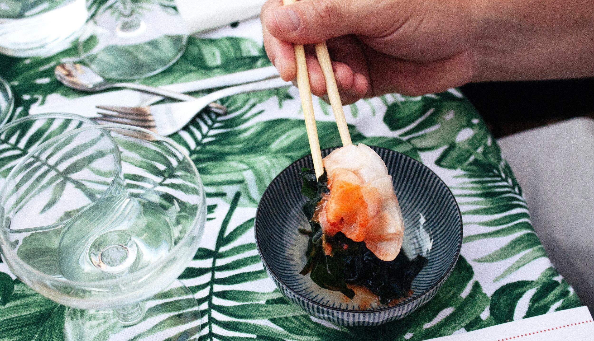 Gyoza de carabinero con alga wakamwe para la fiesta temática Film Feast que organizamos con  Smartclip