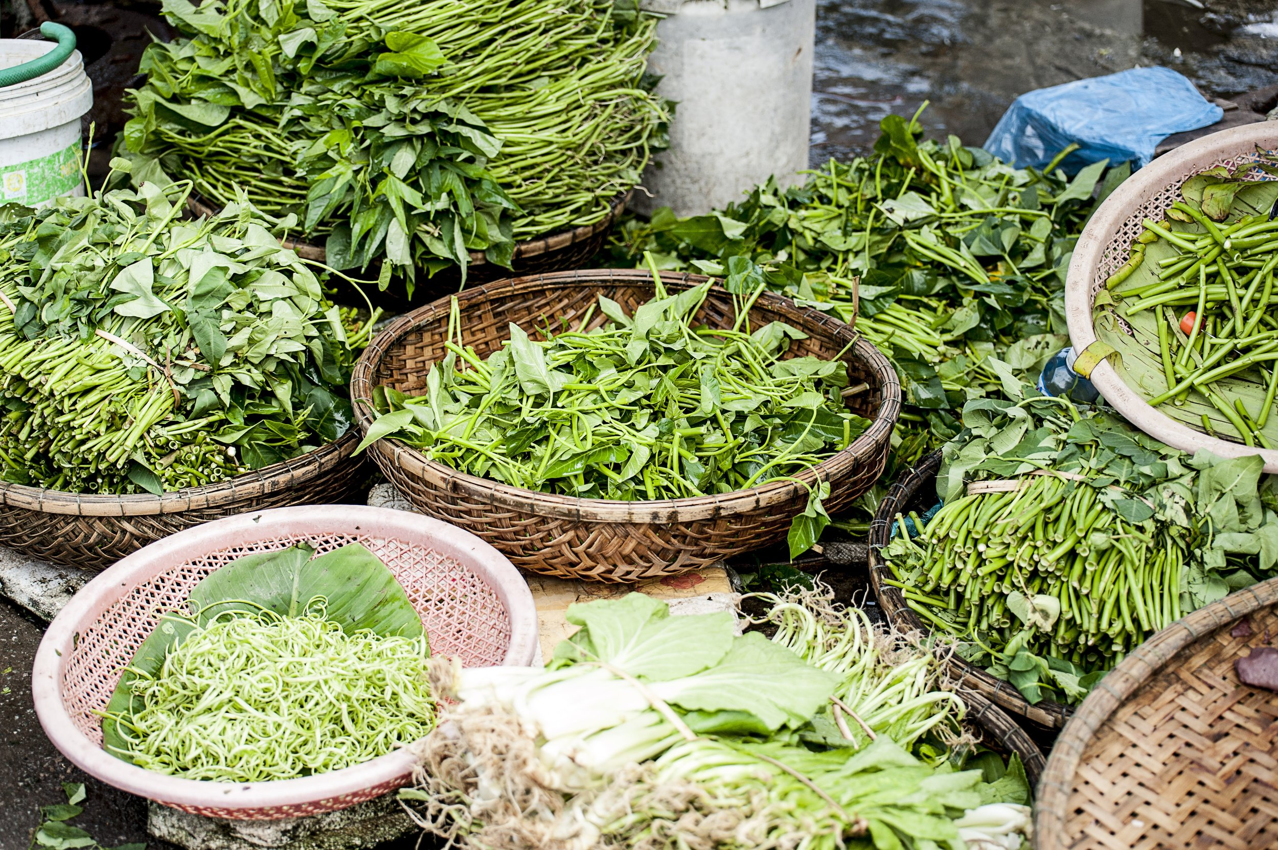 De paseo por los mercados de Hanoi, Vietnam.