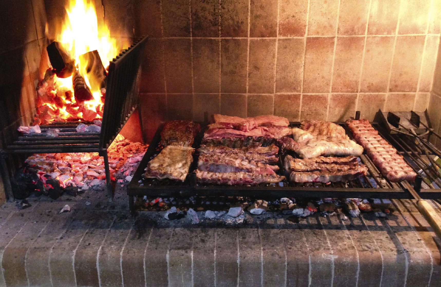 asado-grilling.jpg