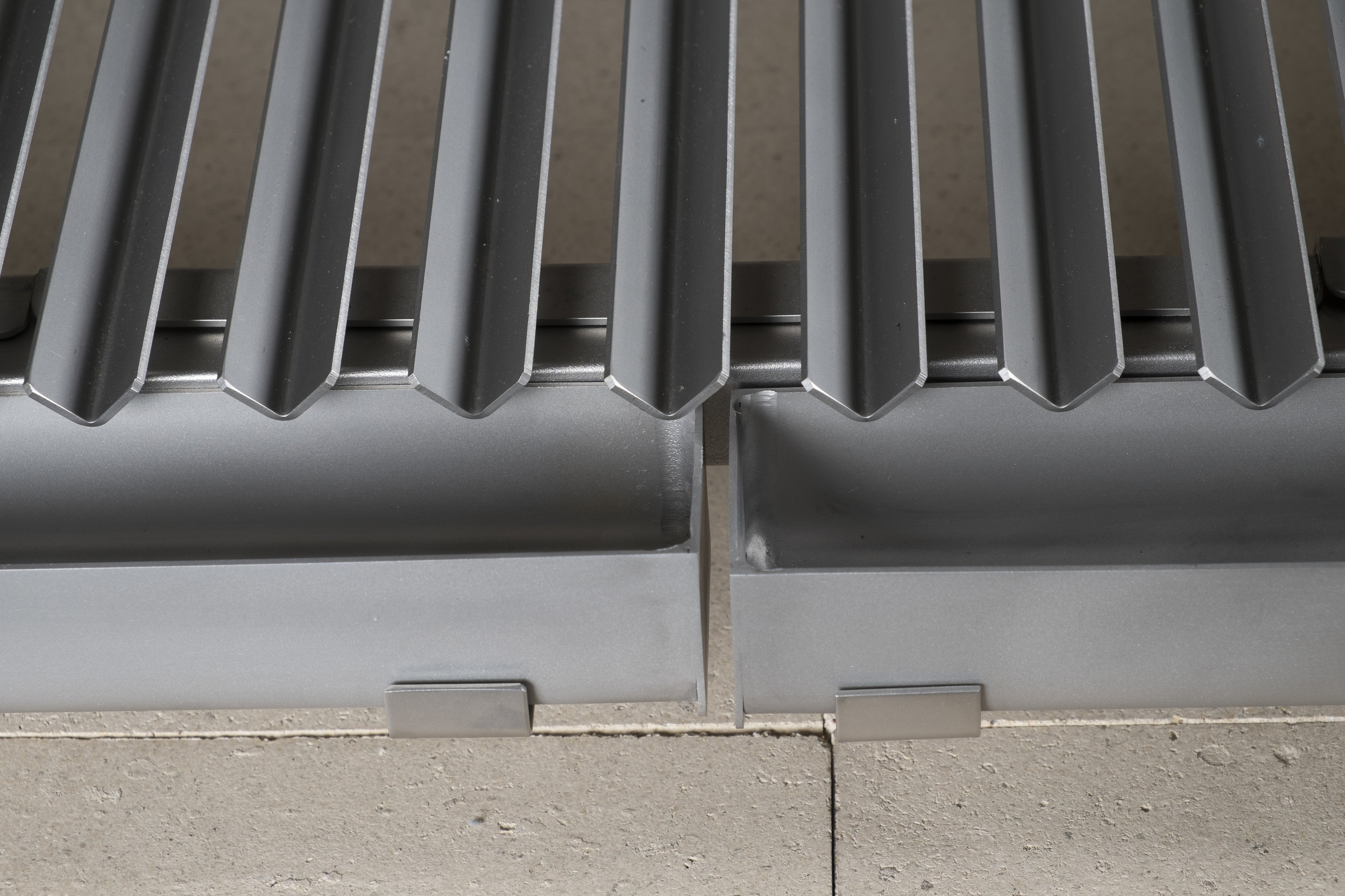 'V' Grooves Funnel Juices and Grease Into Drip Trays