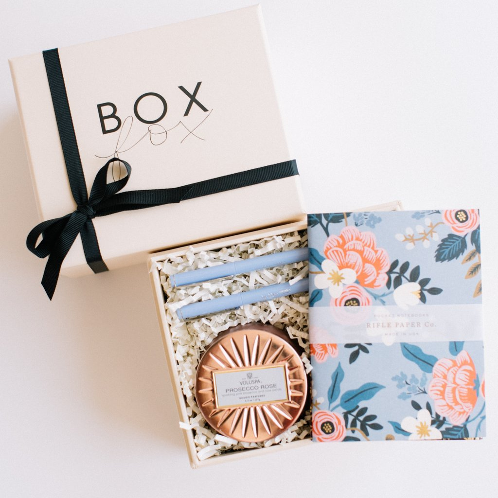 I don't know about you, but I pretty much do all of my holiday shopping online…in one day. So whether or not you have a foodie, a fashionista, a book lover, or someone who has everything to shop for, this year's Paper Moon Holiday Gift Guide has everything you'll need for that glamorously whimsical gal in your life.