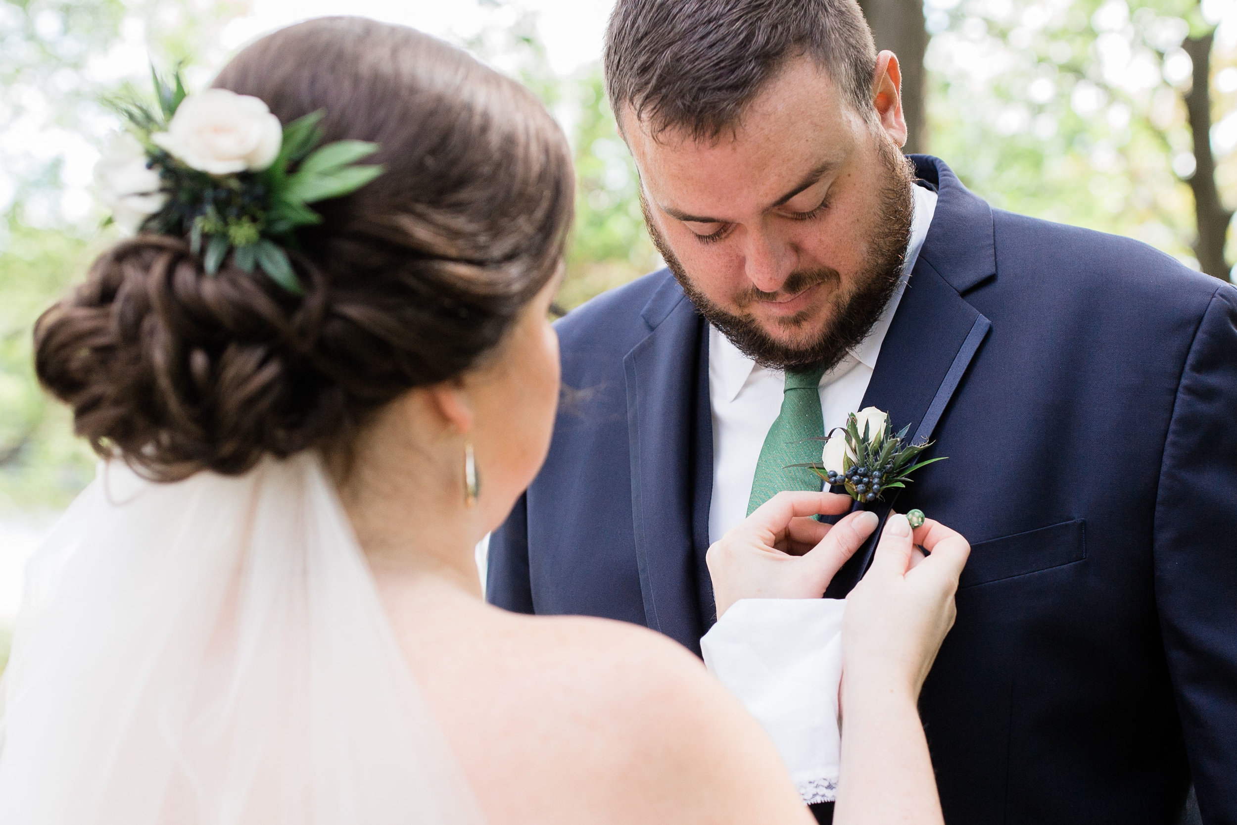 Floral Comb (left) & Magnetic Boutonniere (right) | Image by True Grace Creative