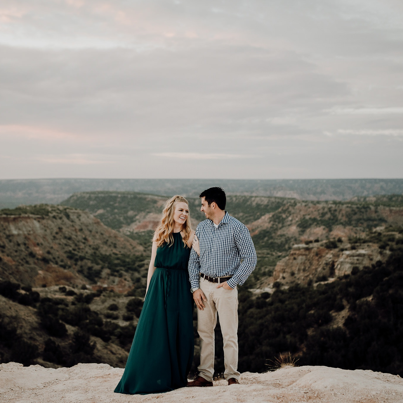 Amarillo+Sunrise+Engagement+Session+Cliffs+-+Palo+Duro+Canyon+State+Park-+Houston+Wedding+Photographer+-Kristen+Giles+Photography-1.jpg