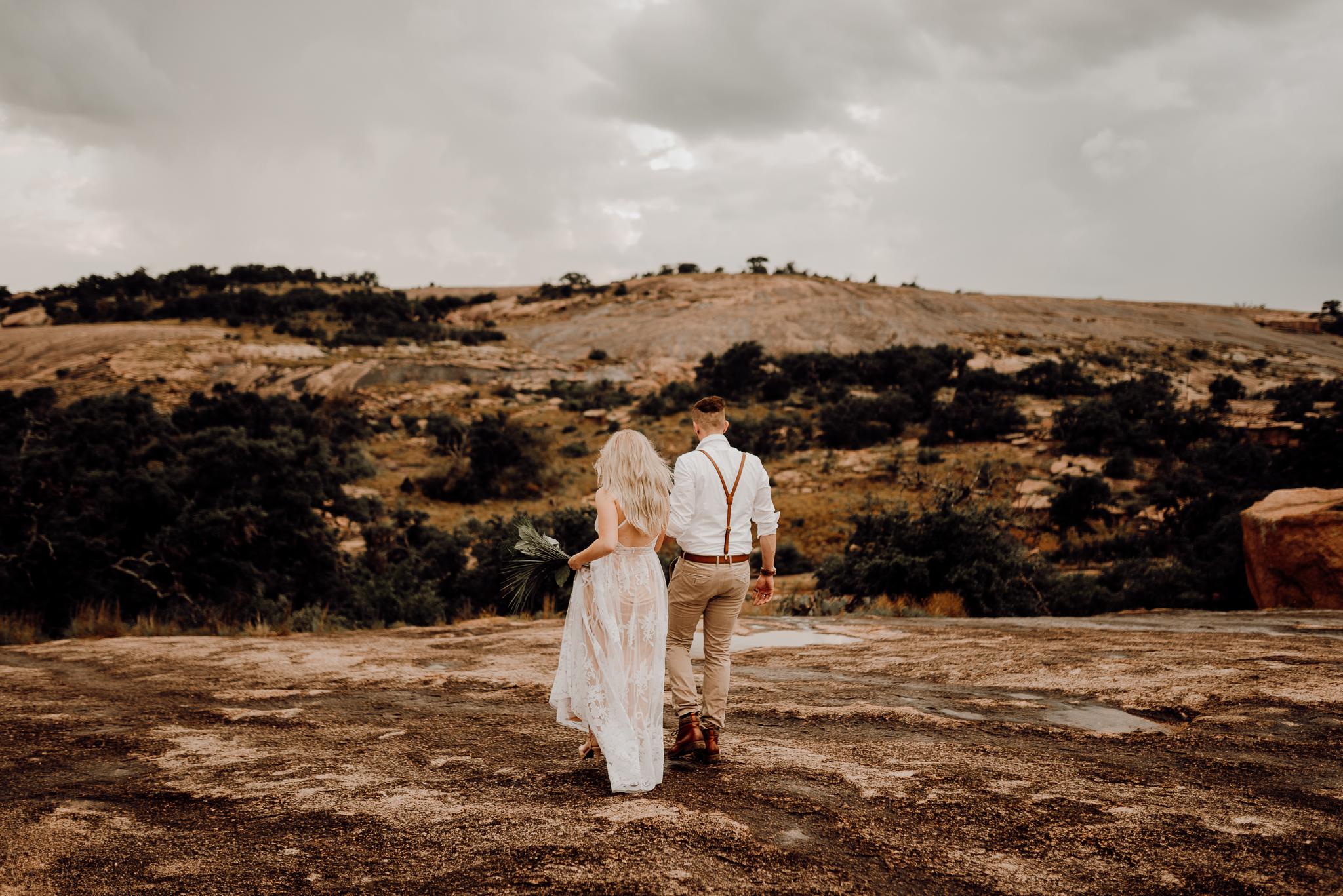 texas-elopement-photographer-enchanted-rock-6-blog.jpg