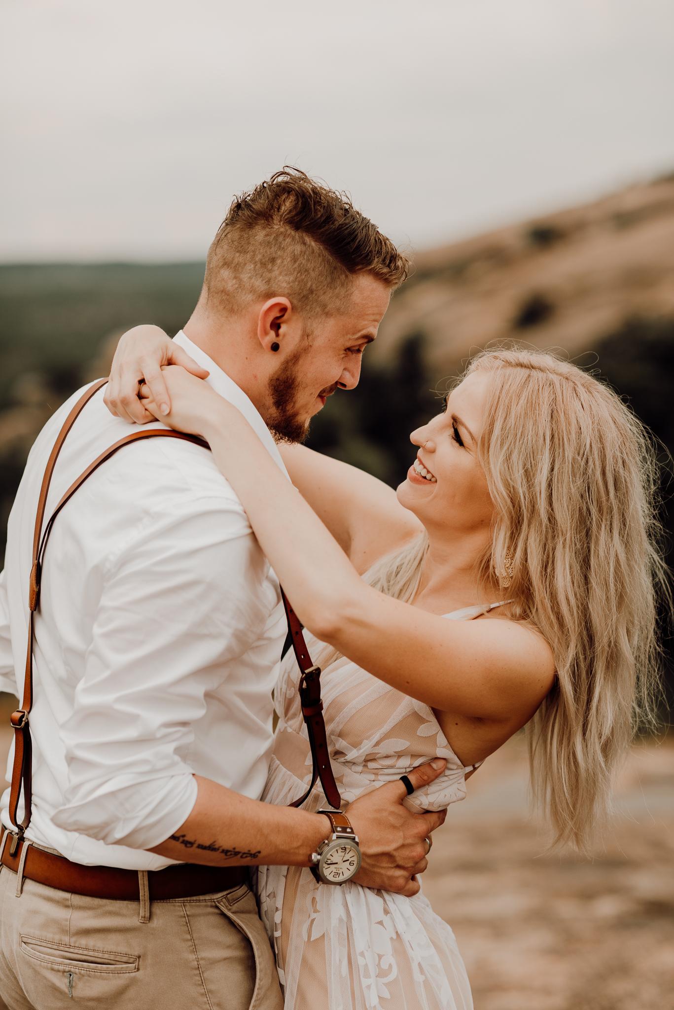 texas-elopement-photographer-enchanted-rock-24-blog.jpg