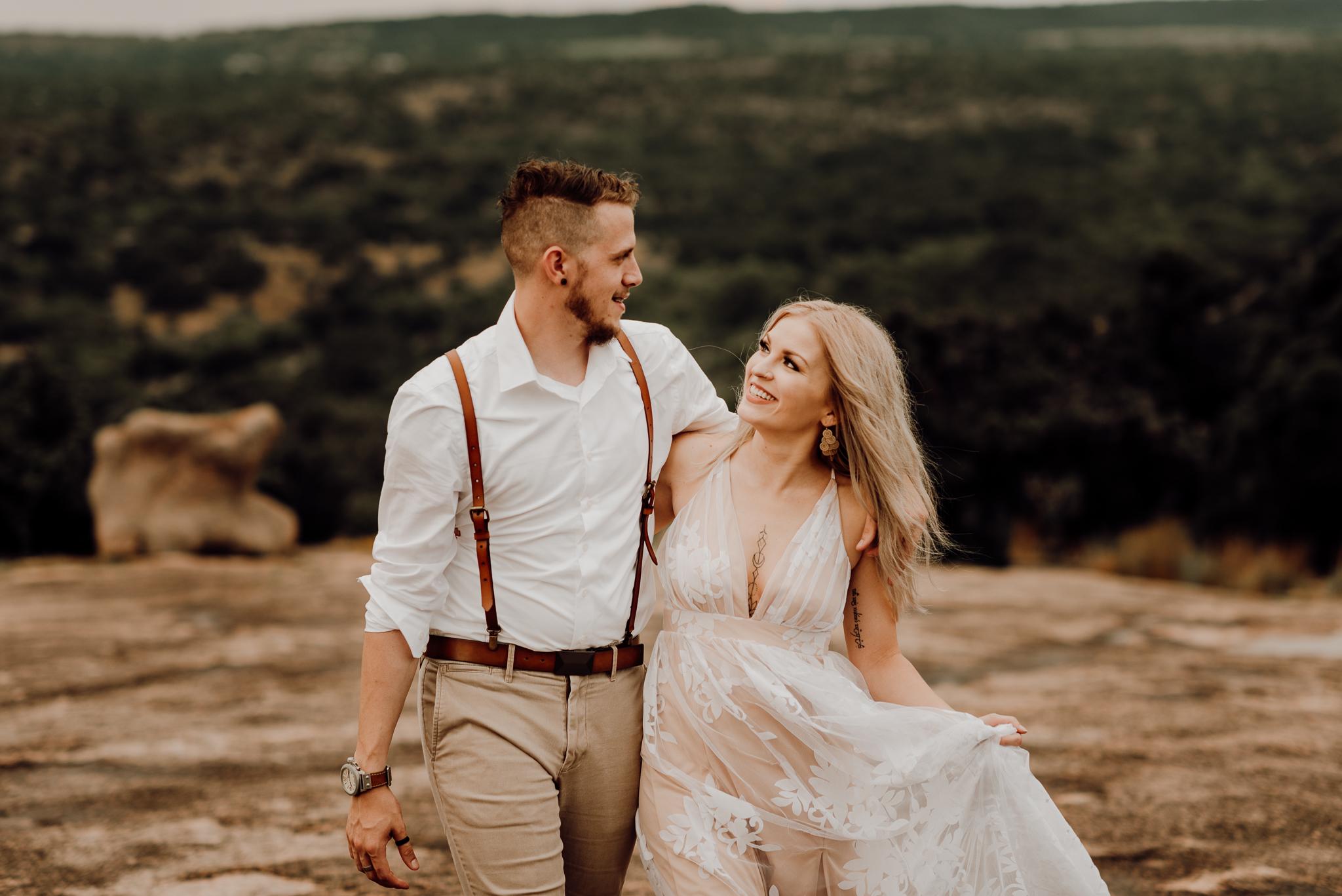 texas-elopement-photographer-enchanted-rock-32-blog.jpg