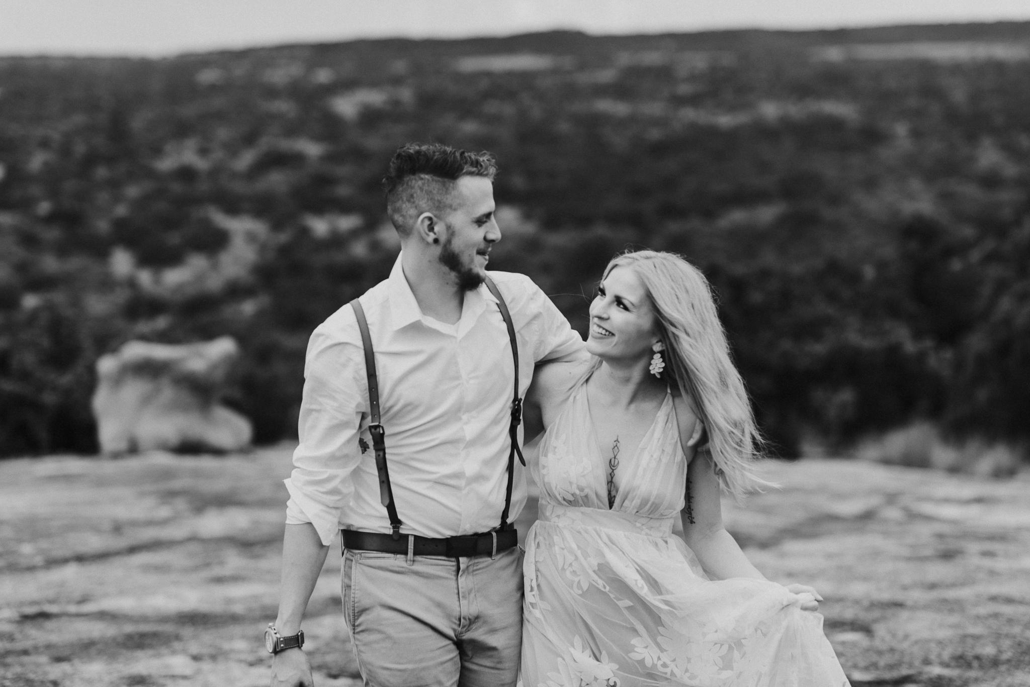 texas-elopement-photographer-enchanted-rock-33-blog.jpg
