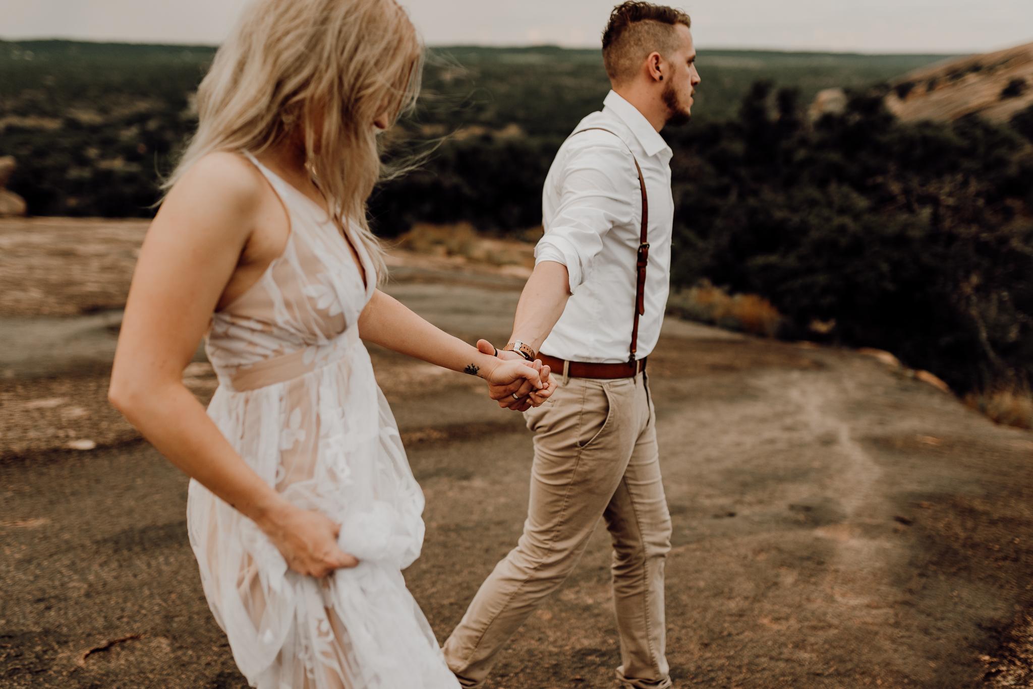 texas-elopement-photographer-enchanted-rock-35-blog.jpg