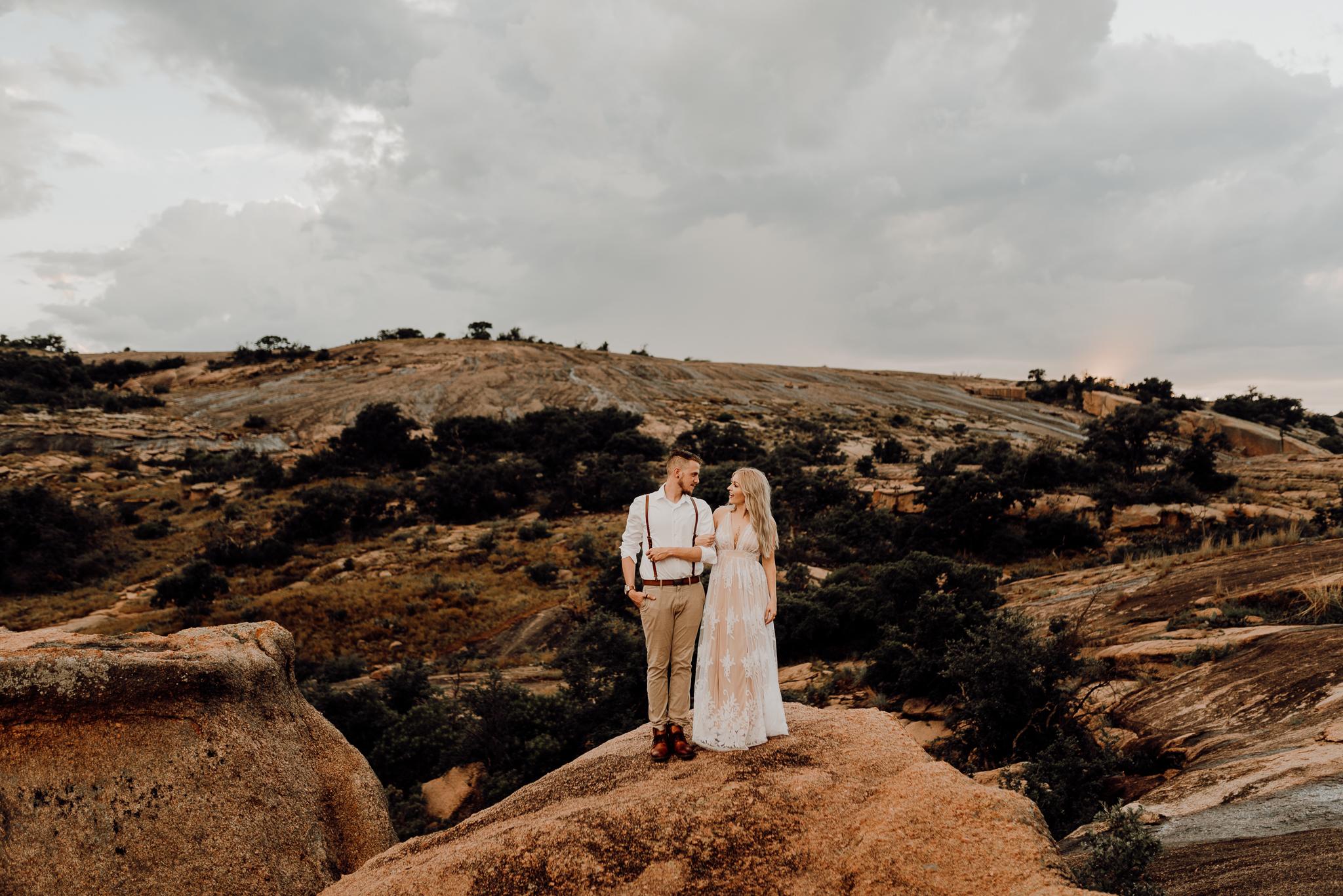 texas-elopement-photographer-enchanted-rock-46-blog.jpg