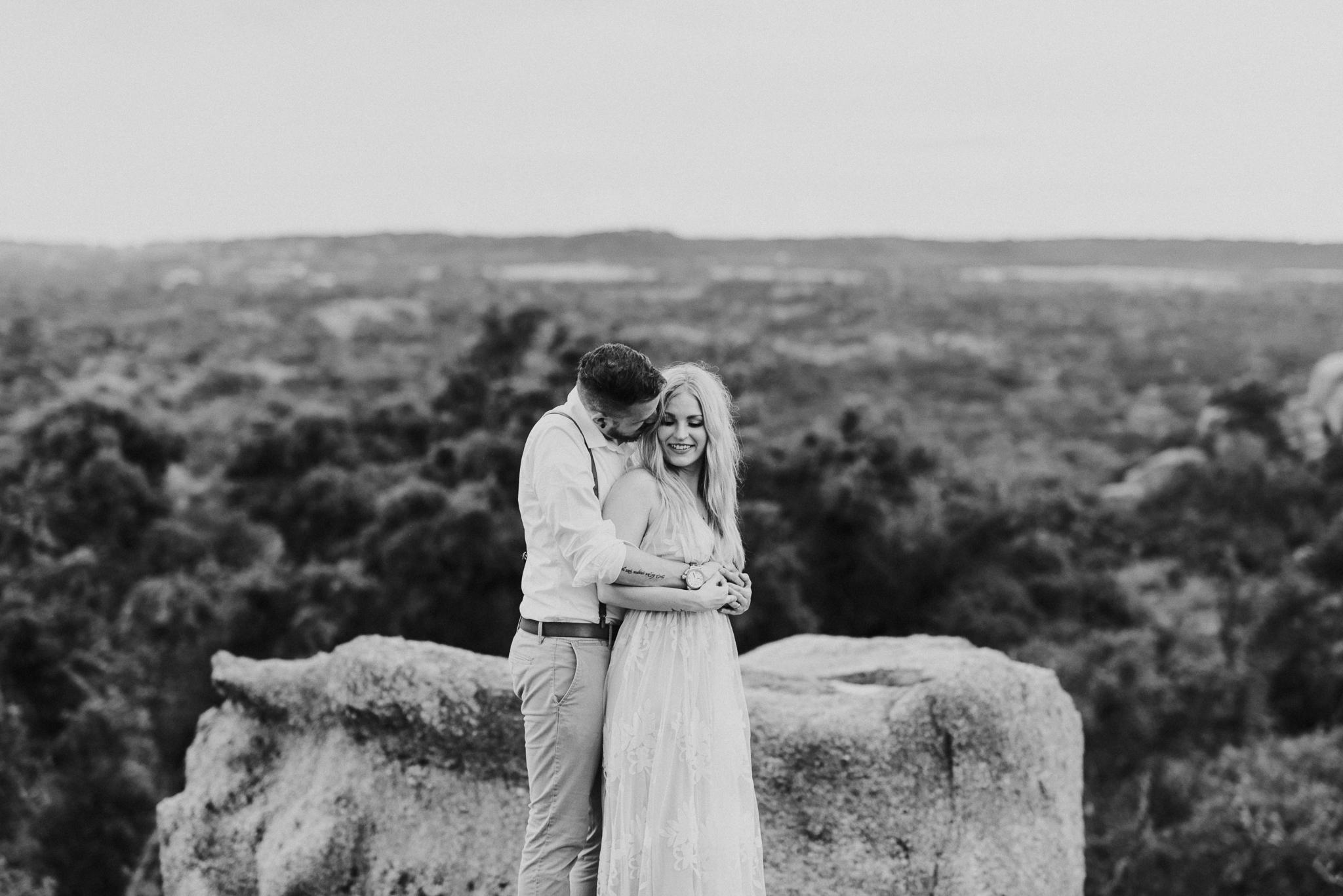 texas-elopement-photographer-enchanted-rock-49-blog.jpg