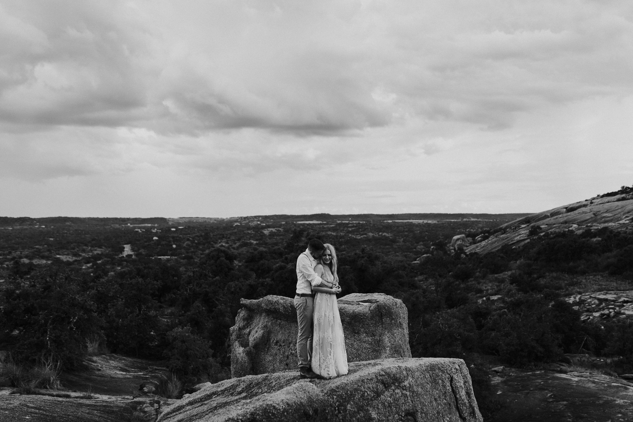 texas-elopement-photographer-enchanted-rock-52-blog.jpg