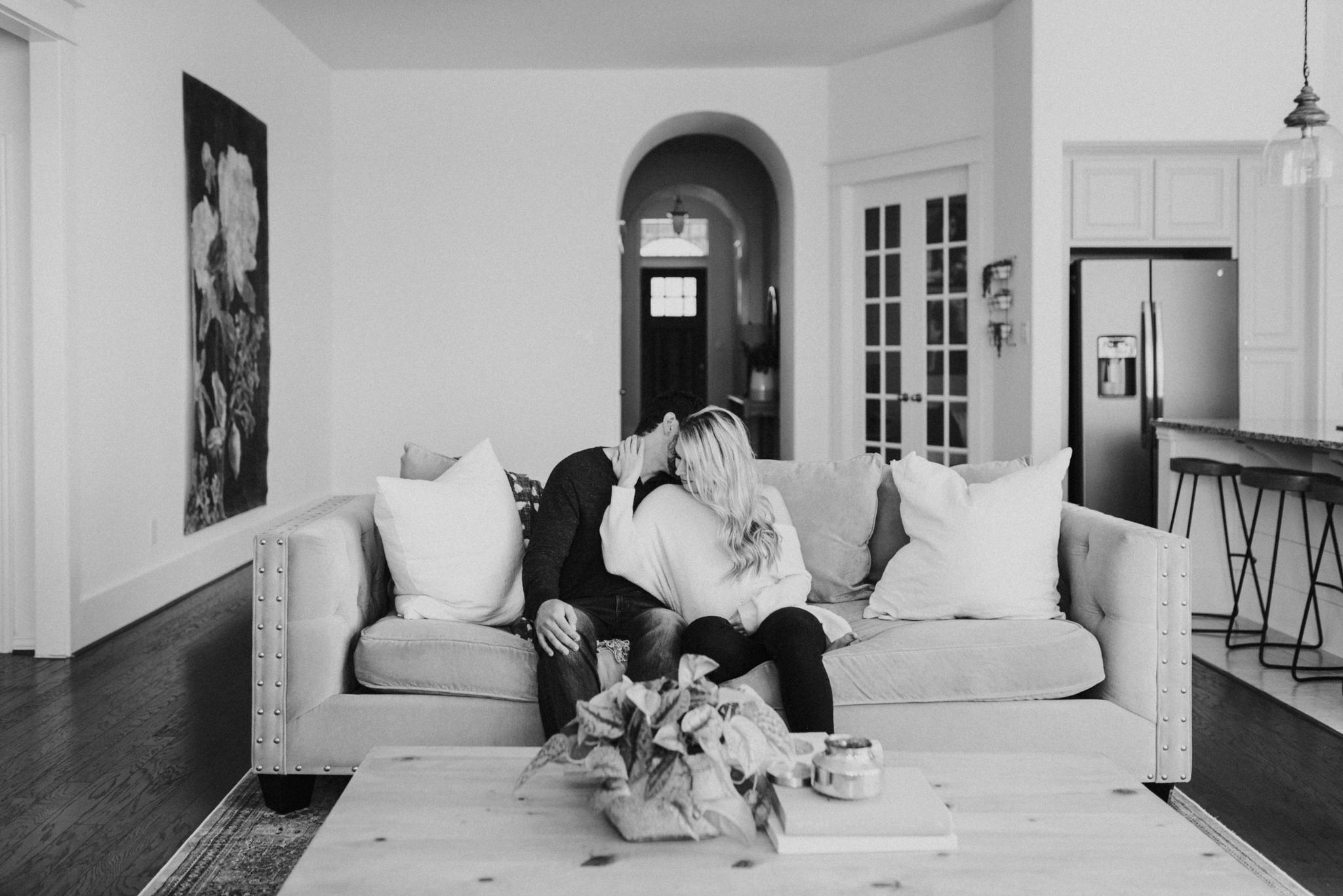 houston-wedding-photographer-in-home-maternity-session-puppies- Houston Wedding Photographer -Kristen Giles Photography-4.jpg