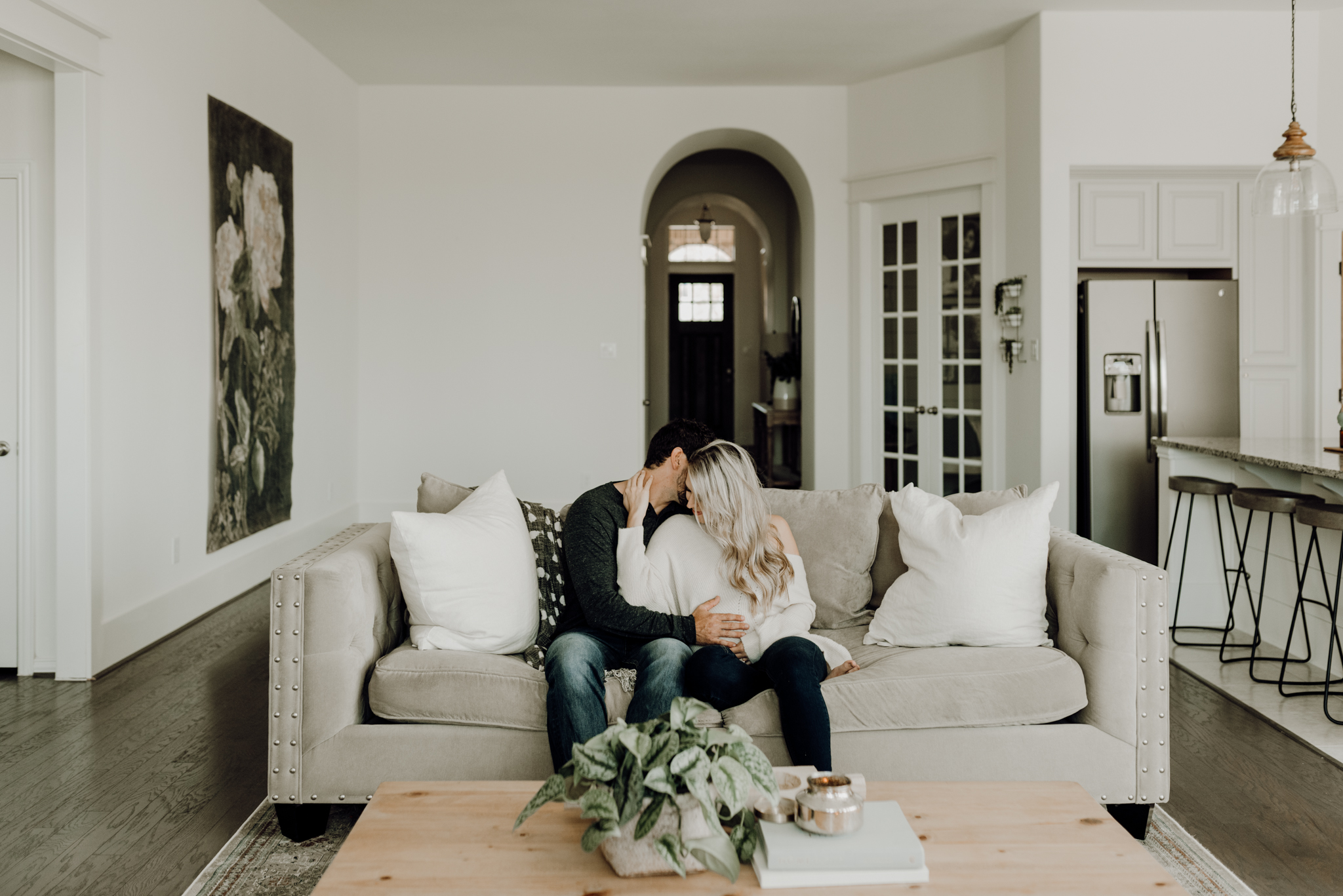 houston-wedding-photographer-in-home-maternity-session-puppies- Houston Wedding Photographer -Kristen Giles Photography-5.jpg