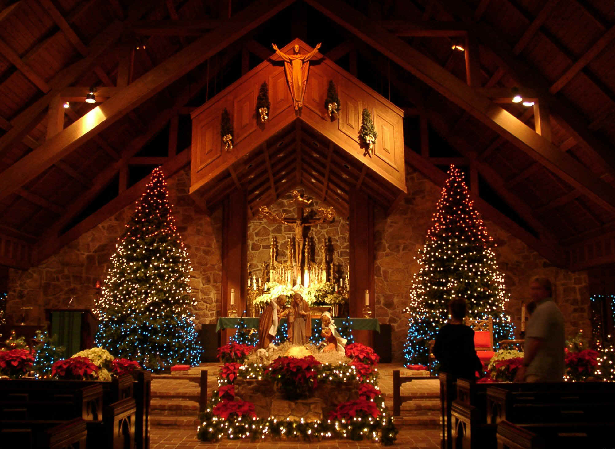 Church-Scenes-at-Christmas-christmas-26601223-2004-1464.jpg