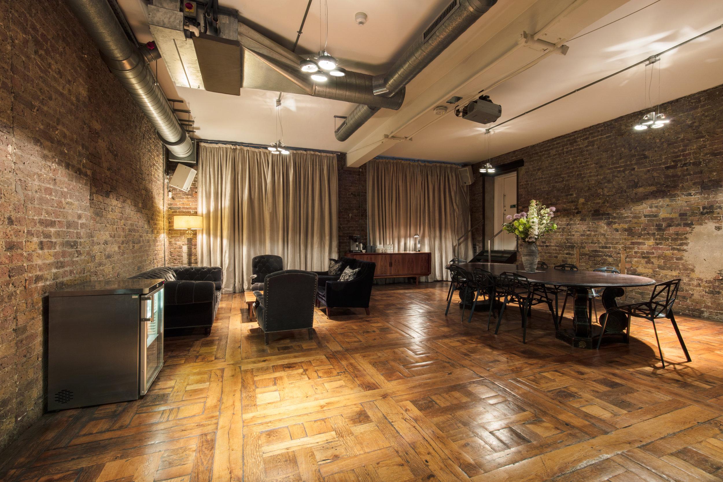 Studio I-J Lounge.jpg