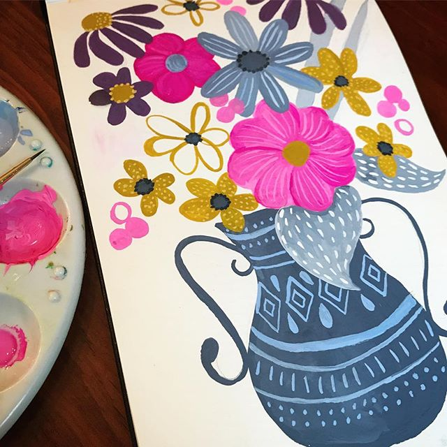 Saturday morning happy. . . . #womenwhopaint #iloveflowers #surfacedesign #artistsofinstagram #kellyangelovic #jennifernelsonartists #dowhatyoylove