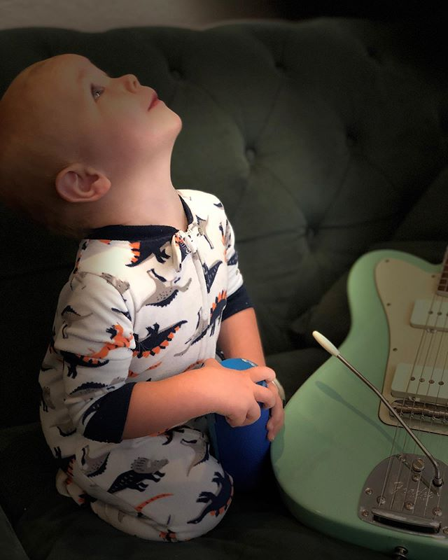 "I'm working on the music for ""Caroline or Change"", which opens September 13th at the Valencia Theater with the Ray of Light Theatre Company. Teddy grabbed the speaker and swayed. That's my boy. #carolineorchange @roltheatre #theodorablebrooker #seafoamstrat #fenderjazztele #fender #wangbar #soapypickups"