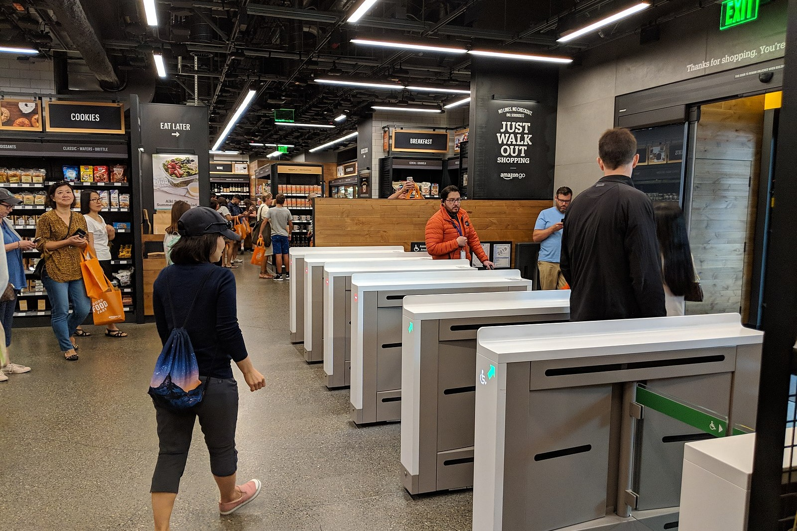 An Amazon Go store in Seattle — paying is as simple as scanning a QR code, picking up what you want and then walking out. 📸:  Wikimedia