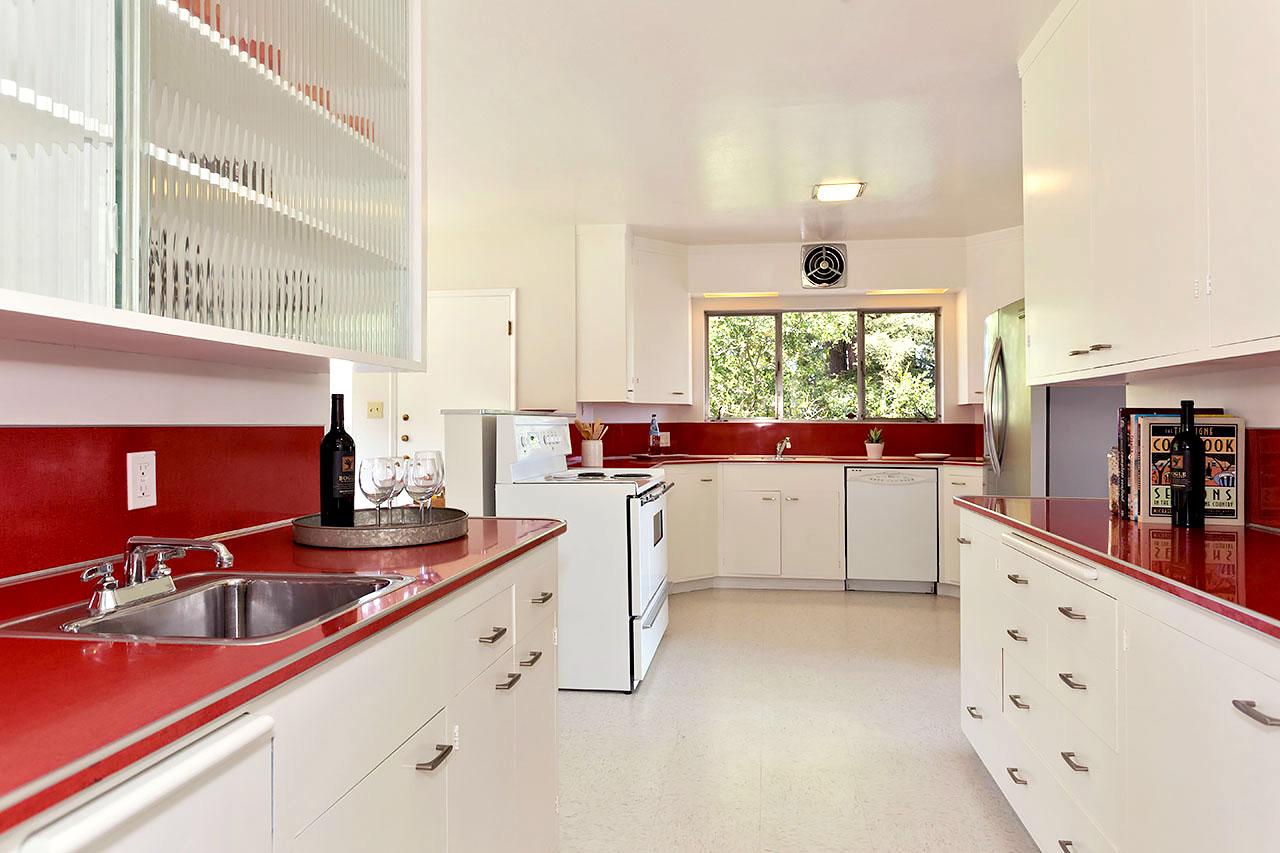 Kitchen>redCountr.jpeg