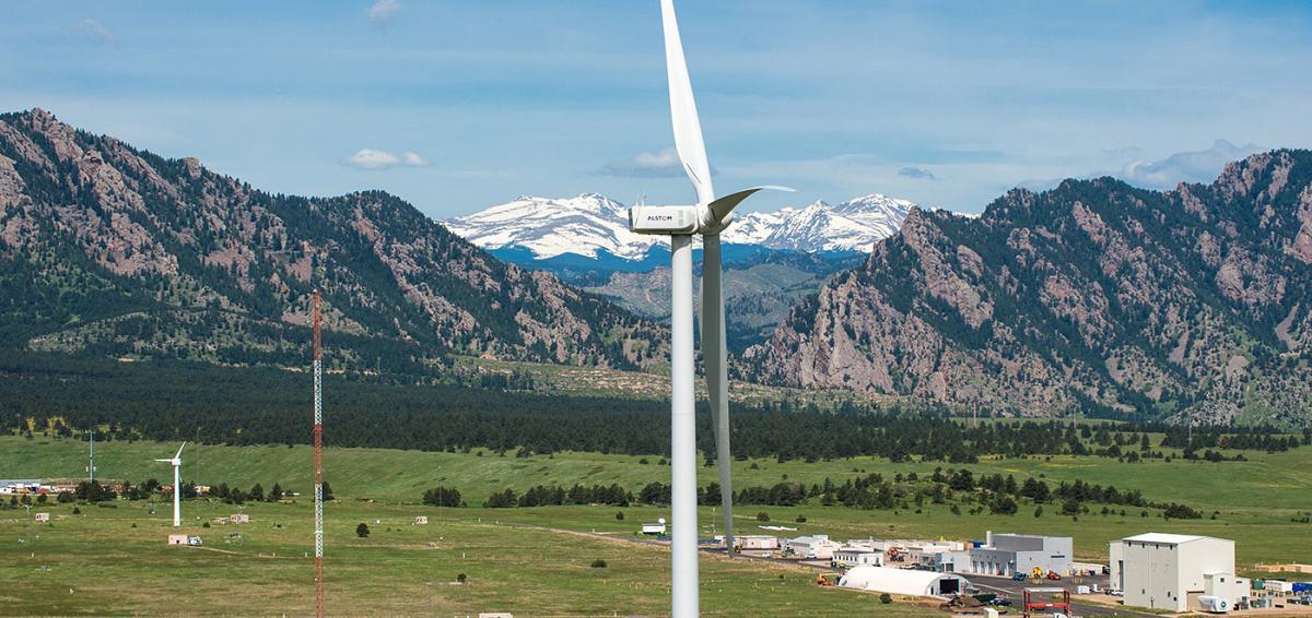 tour-nwtc-turbine-37880-@2x.jpg