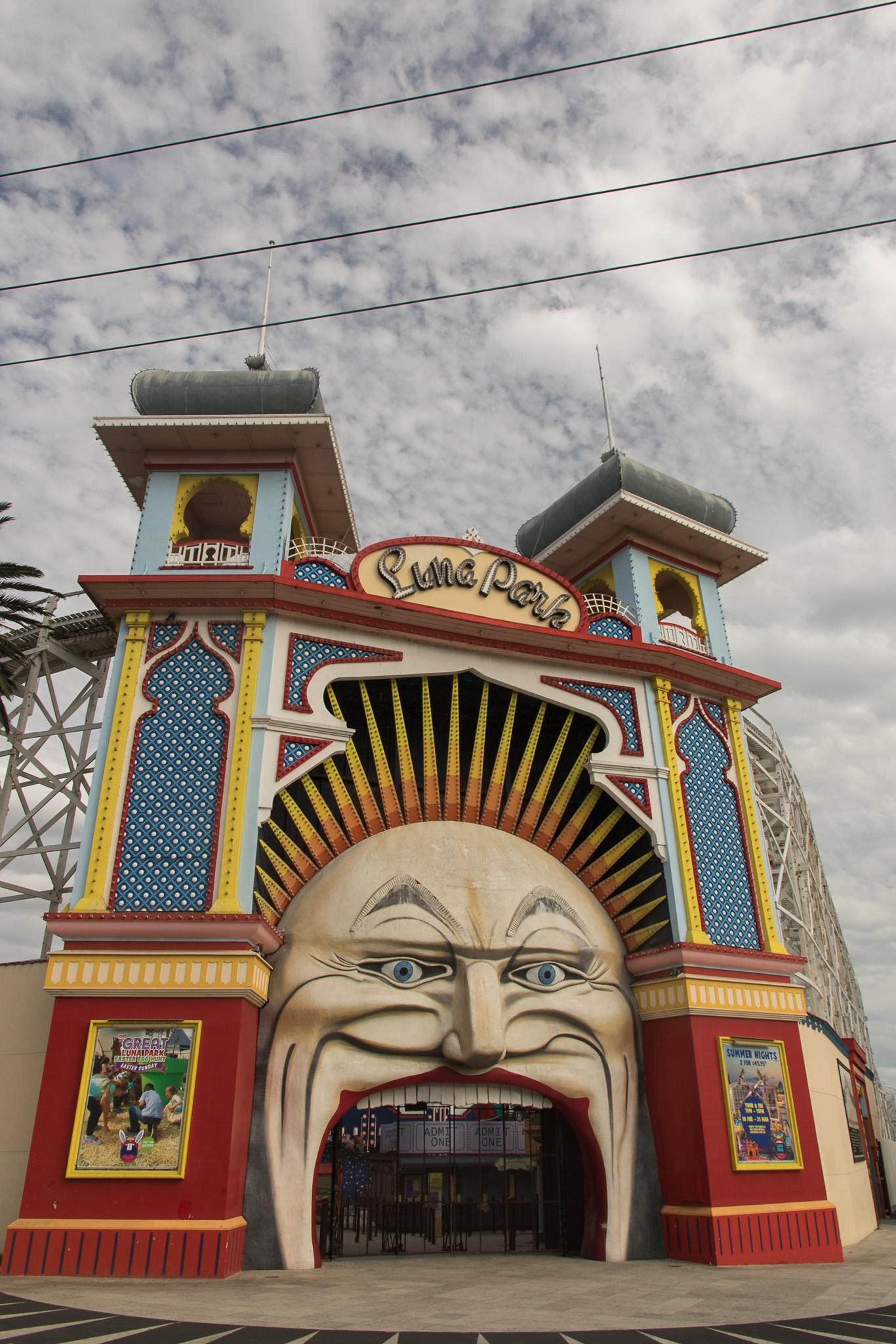 melbourne_lunapark_entrance