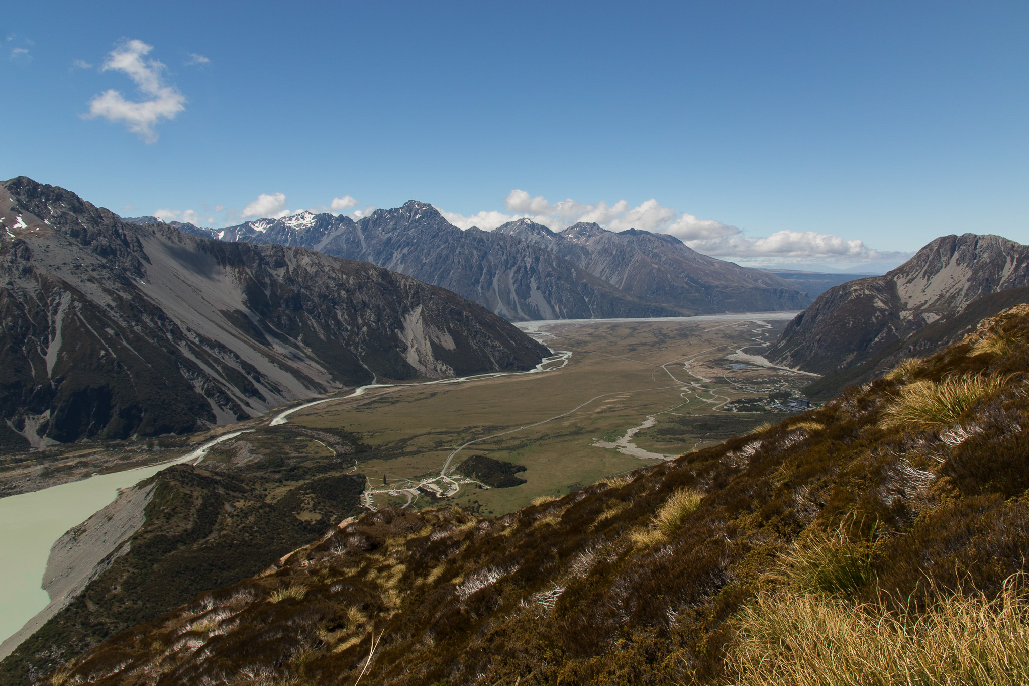 valley in the southern alps of new zealand