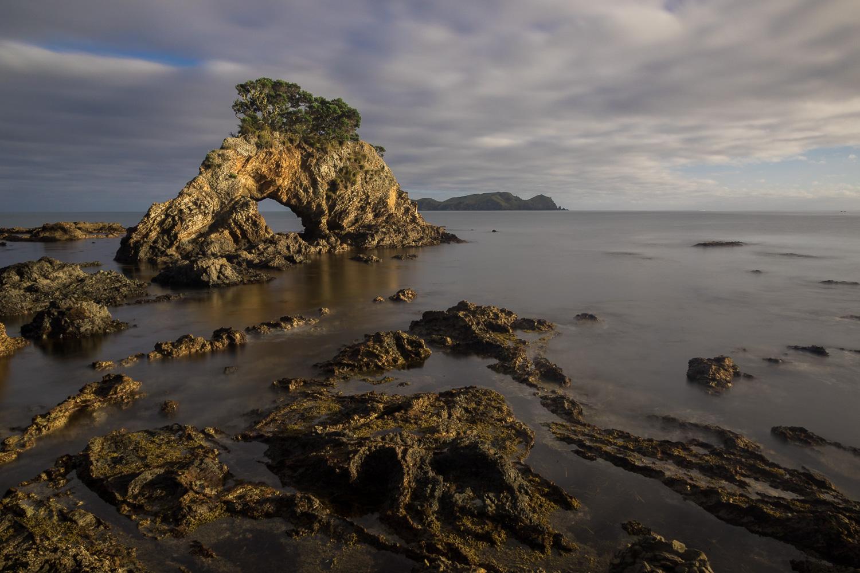 rock formations in new zealand ocean