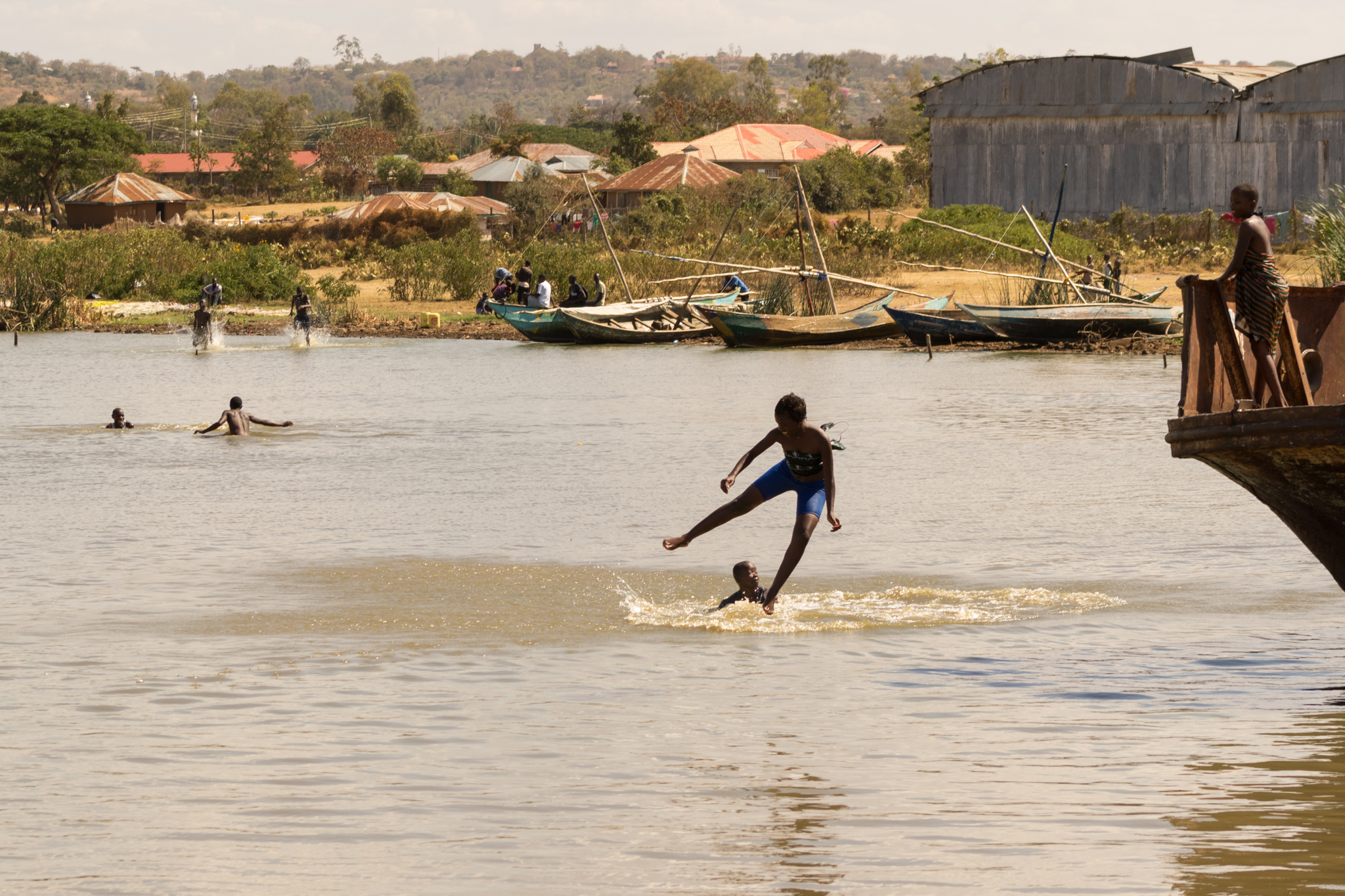 kenya_children_swimming-1.JPG
