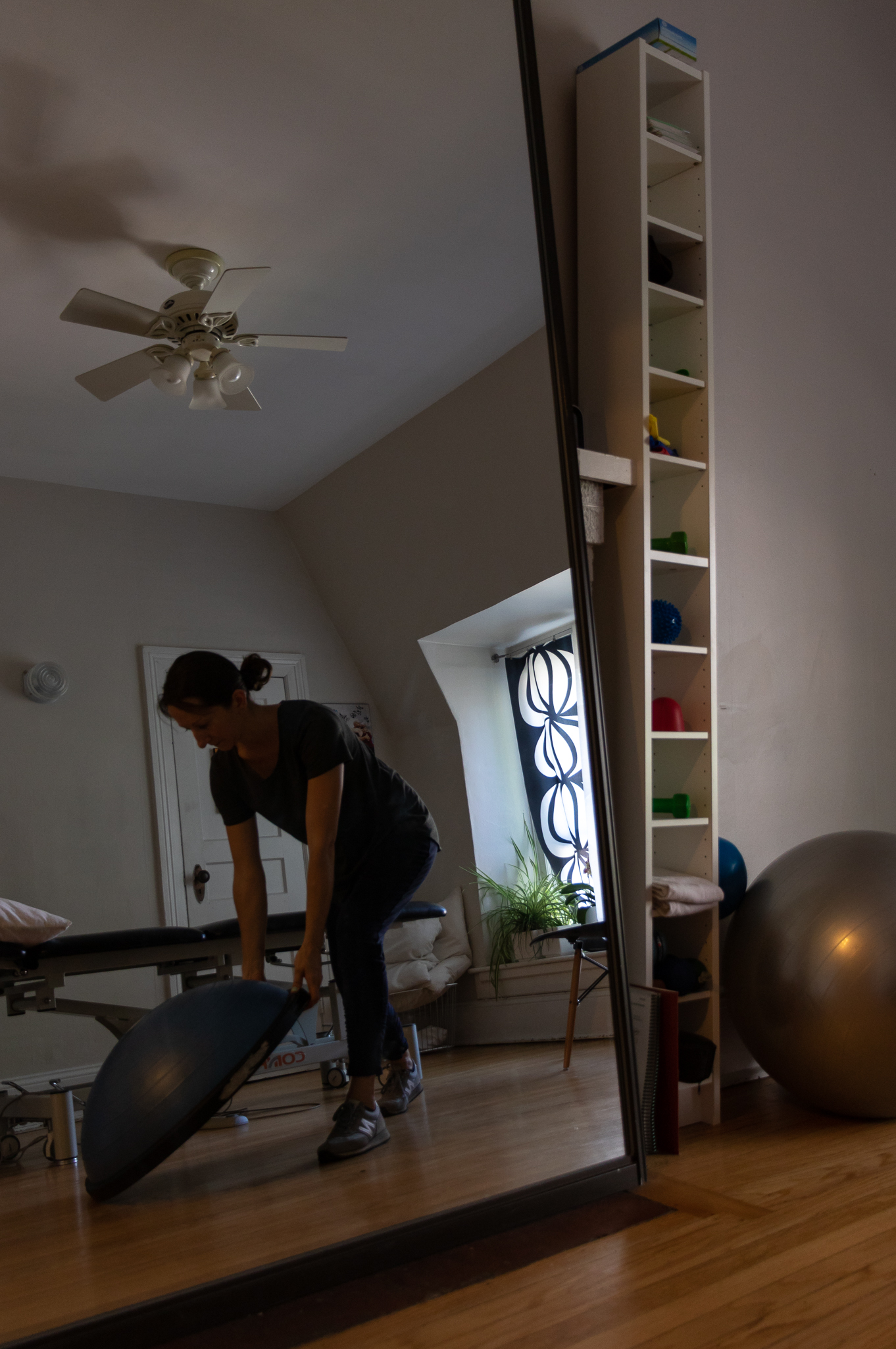 physical therapist working in comfortable and stylish clothing