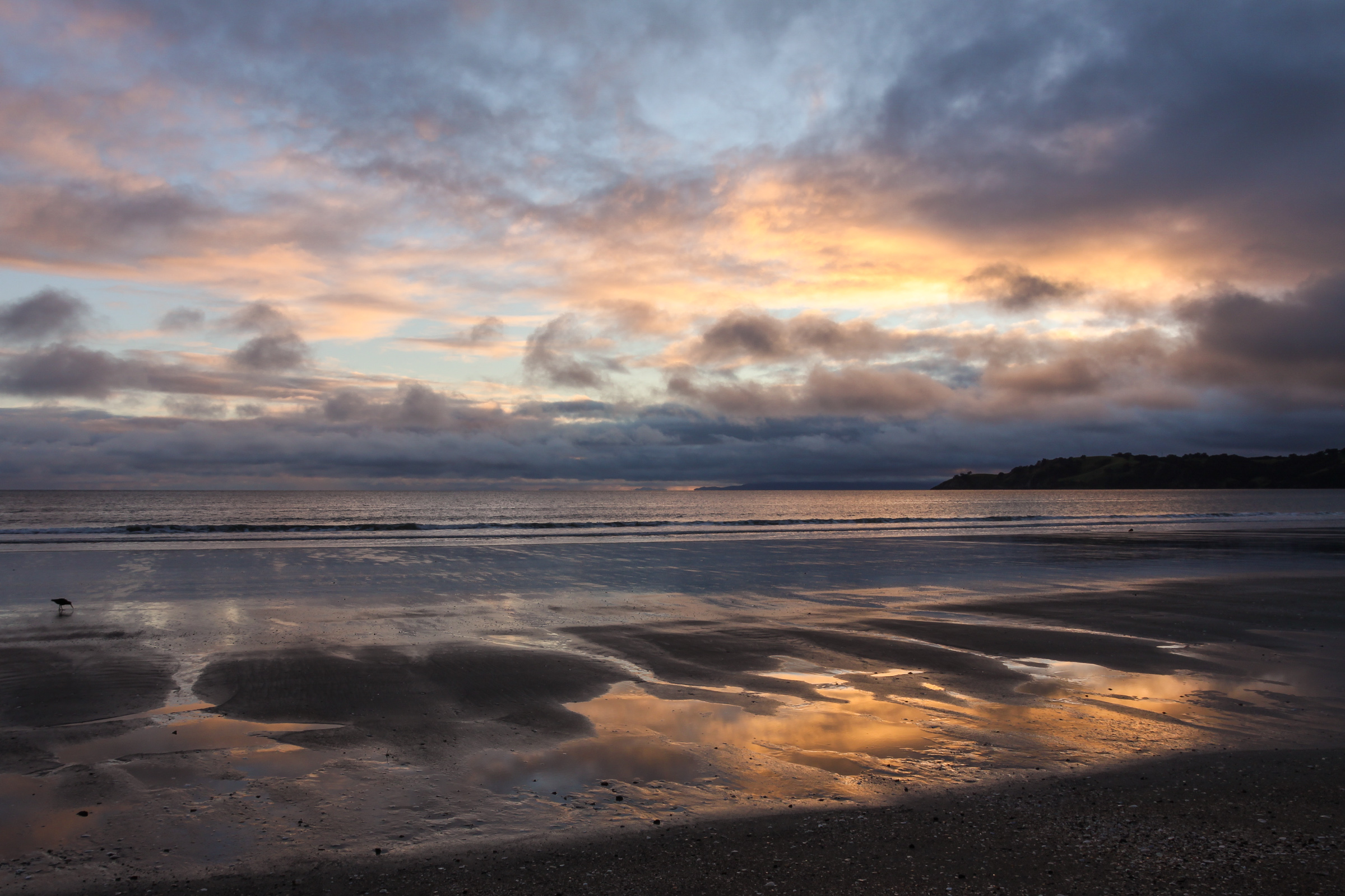 sunrise onetangi beach New Zealand
