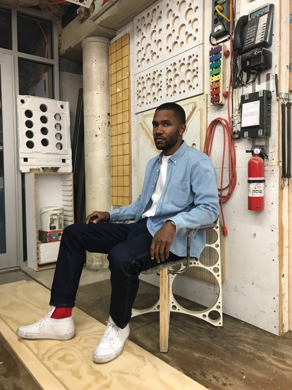 frank-ocean tom sachs chair.jpg
