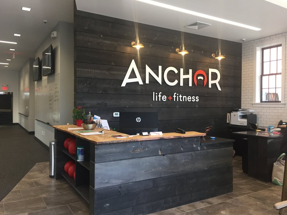 Anchor MOBAC INC front desk IMG_9050.JPG