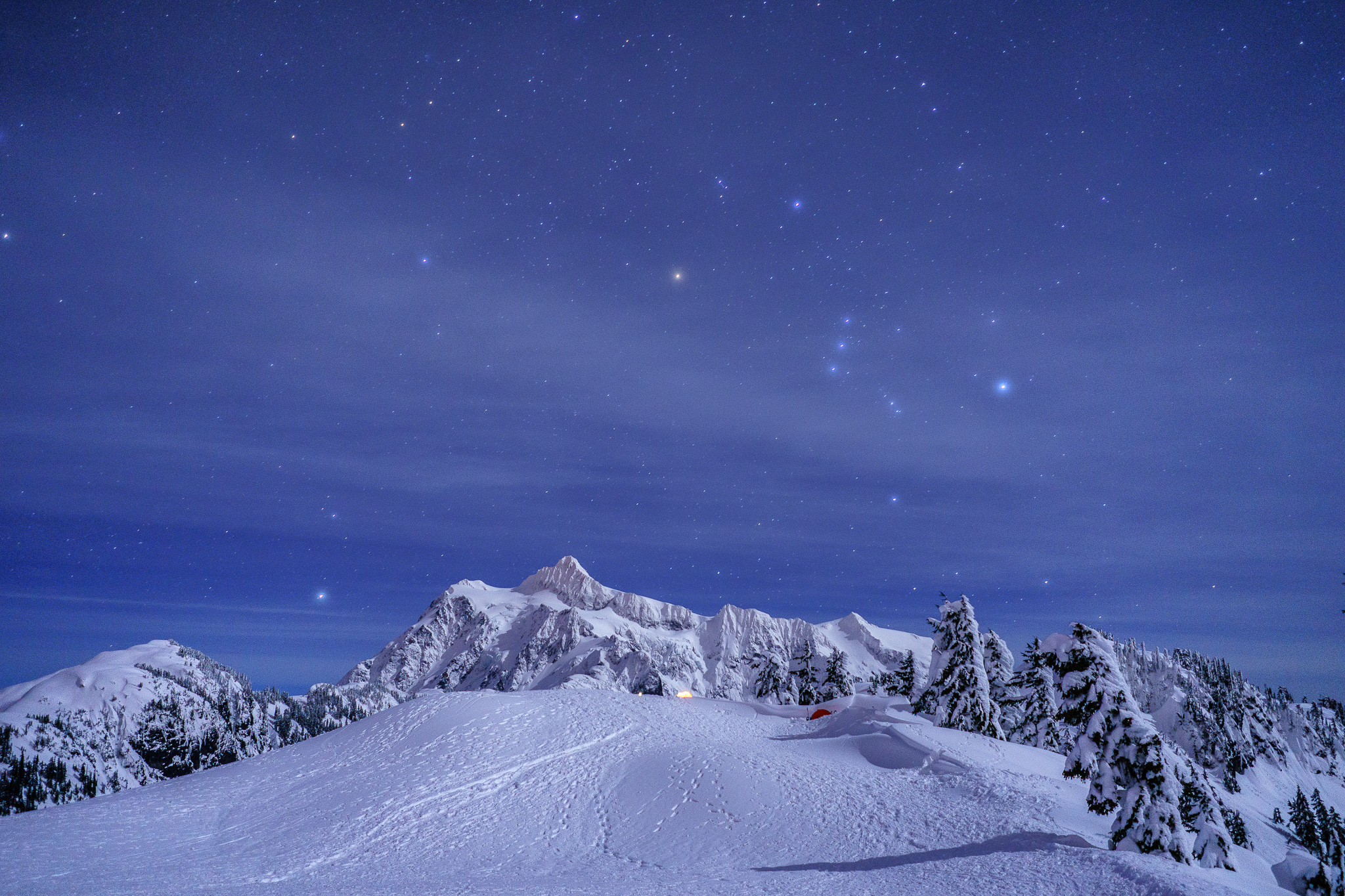 Mt. Shuksan and the night sky. Can you see Orion's Belt? (Three dots next to each other).