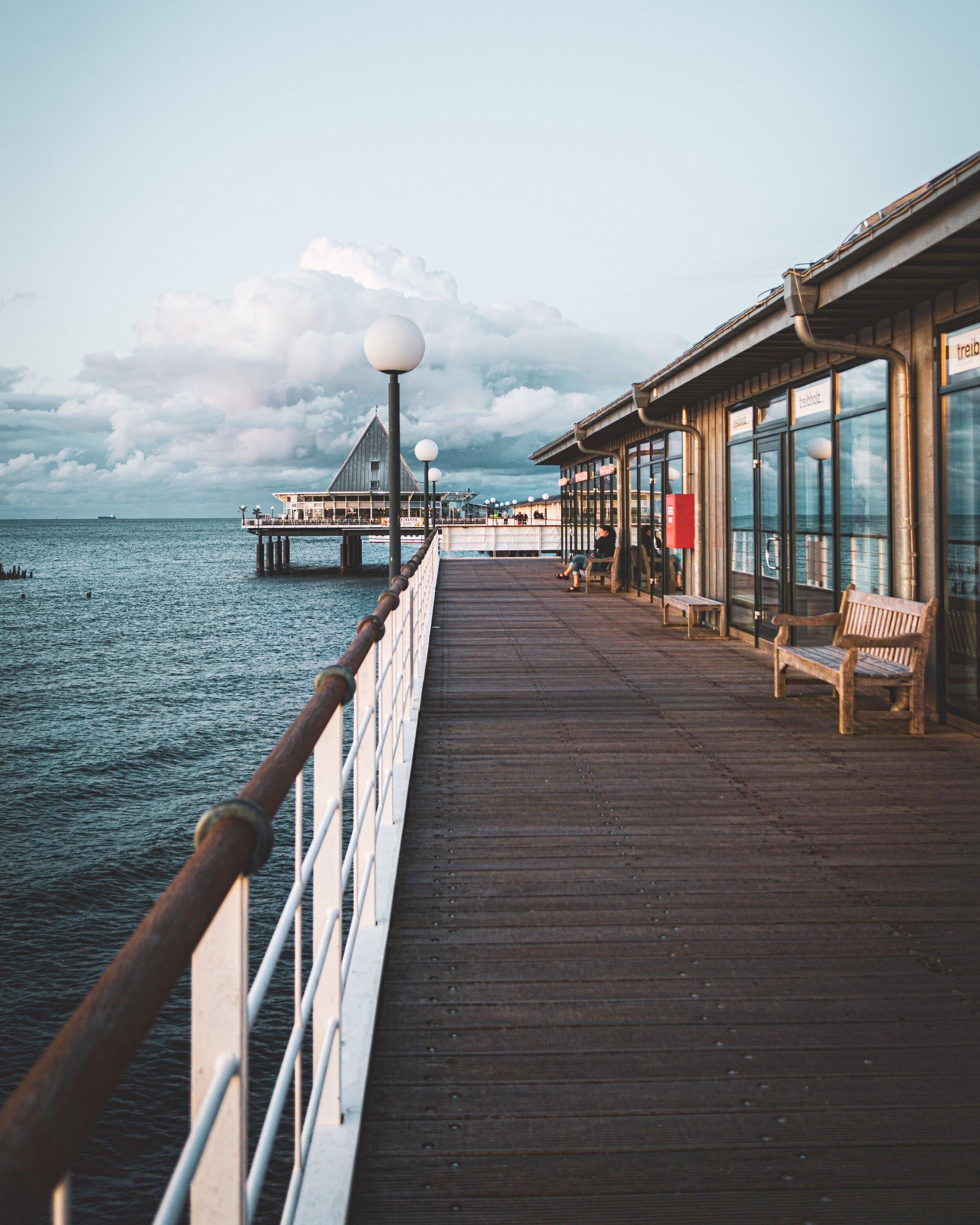 architecture-beach-bench-2852906.jpg