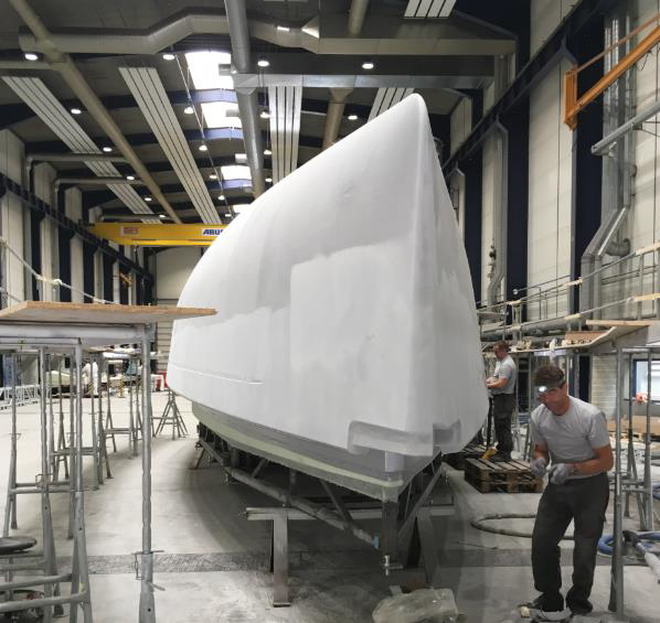 Fairing the hull of the new X4⁹