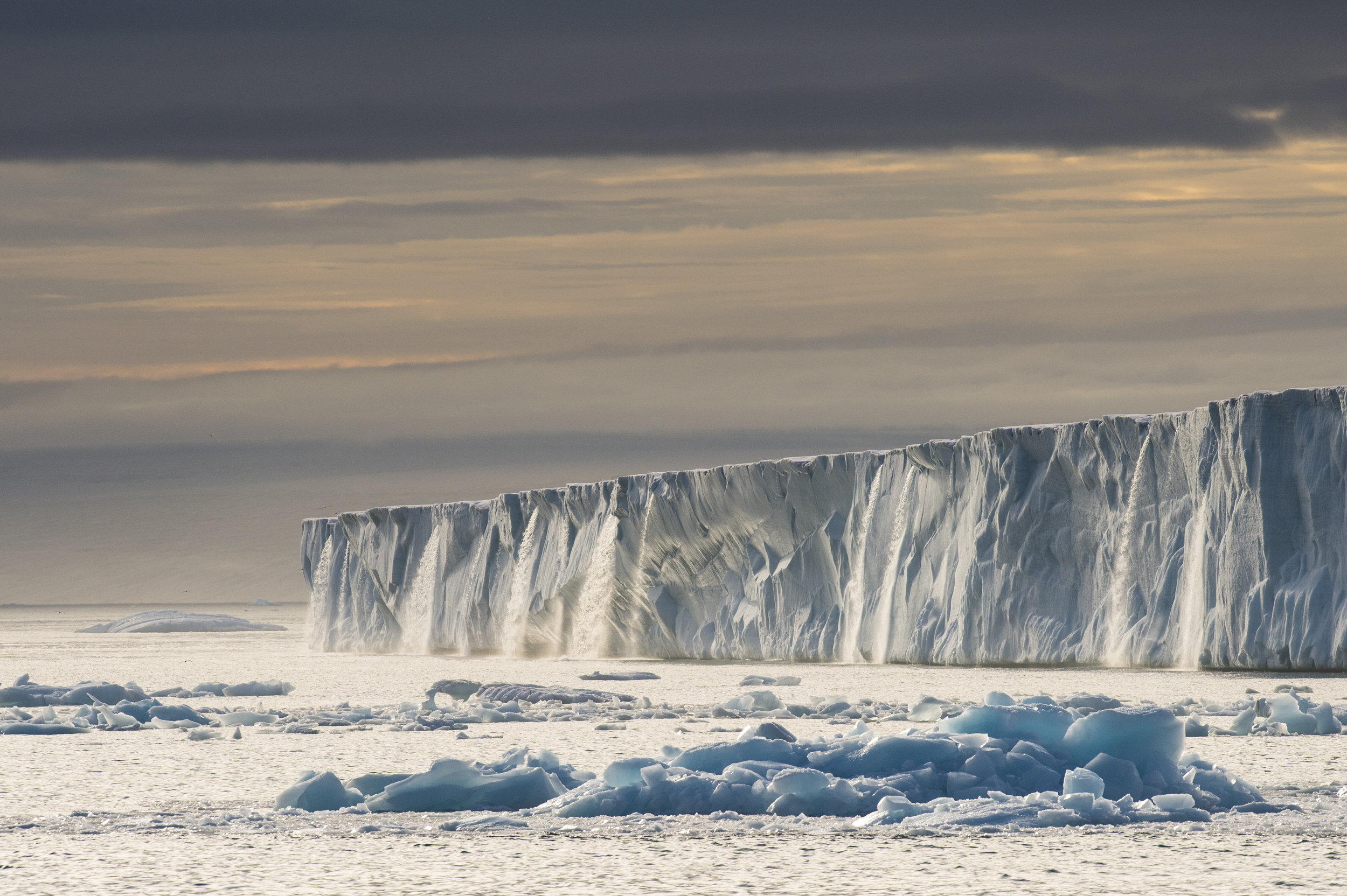 Glacier Galore in Svalbard. Photo by:Roy Mangersnes - wildphoto.no_www.nordnorge.com