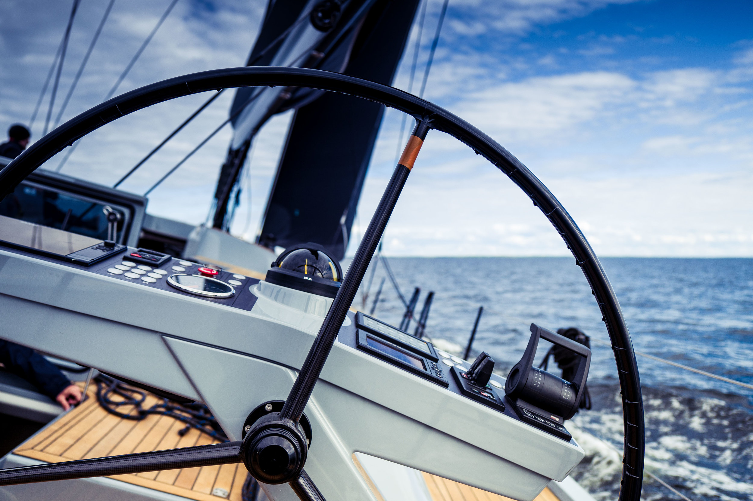 Starboard steering pedestal. Clean and uncluttered lay out of the instruments provides full attention on sailing. Photo by: Daniel Novello