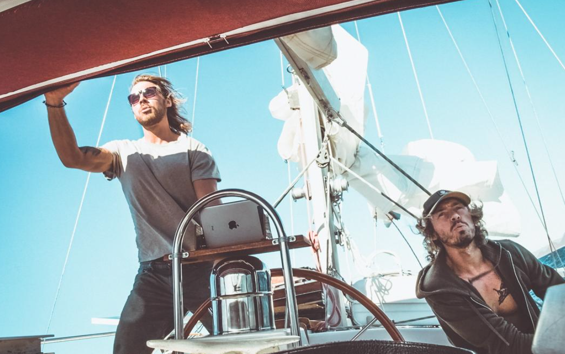 Their first sail voyage in steep waves and high winds to get down to Puerto Vallarta where their beloved mom was waiting at Christmas. Photo: https://www.instagram.com/wiigworld/