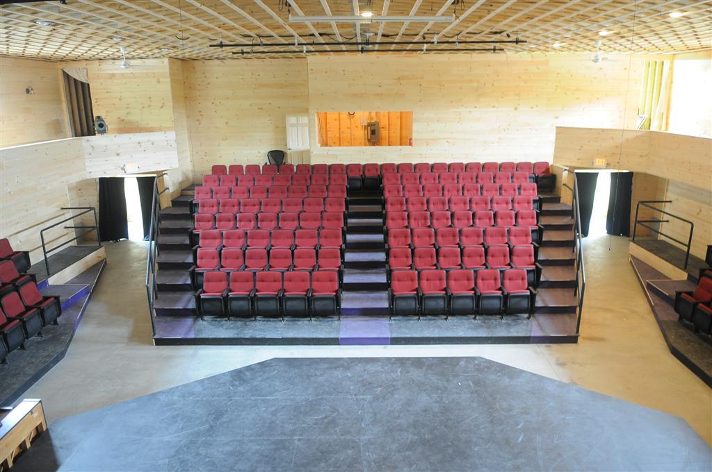 theater-003.jpg