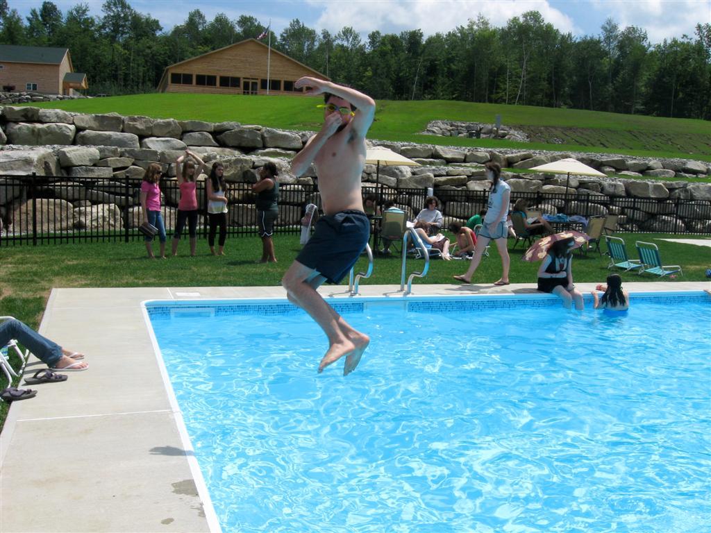 pool-002.jpg