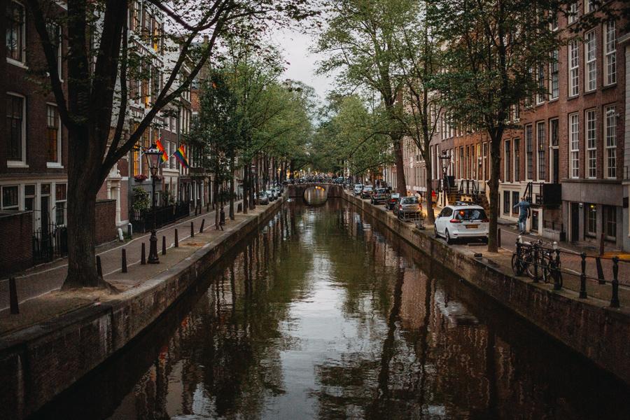 018-amsterdam-bikes-travel-photography.jpg