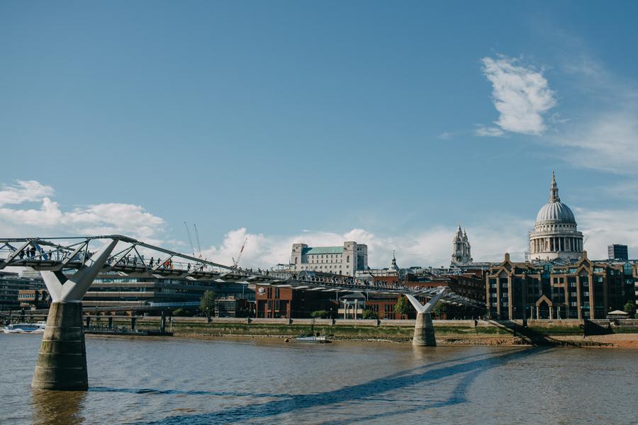 024-london-street-photography-travel-food-england-united-kingdom-st-pauls-cathredral-parliment.jpg