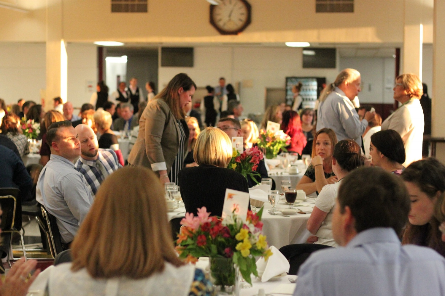 Staff and Examiners mingle at Welcome Dinner