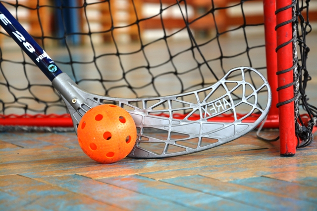Floorball - Floorball is a team sport similar to ground hockey. It is aimed mainly for boys. The sport is focused on the development of a body condition and team spirit. The game takes place in the gym according to fair-play rules.Aimed for: Primary / Secondary SchoolDuration: 60 minLevel of difficulty: 2 (medium)