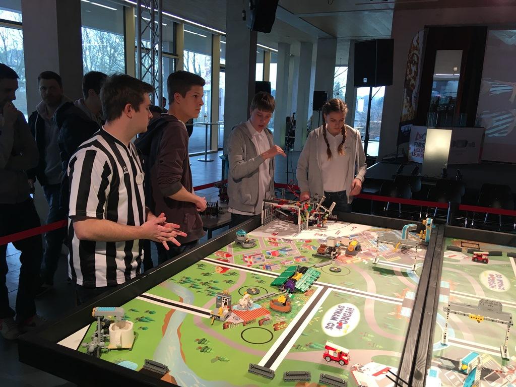 IT-PRO-BESST tím počas súťaže v nemeckom Aachene.JPG