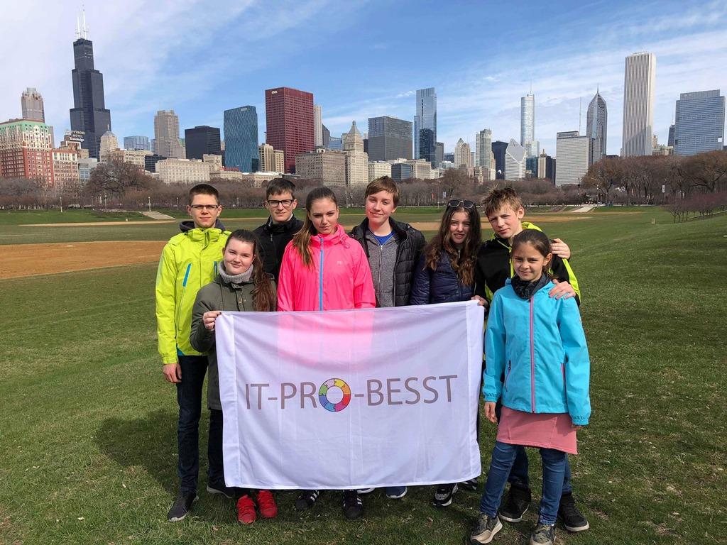 IT-PRO-BESST tím zavítal vďaka svojmu vedecko-technickému talentu až do Ameriky (1).JPG